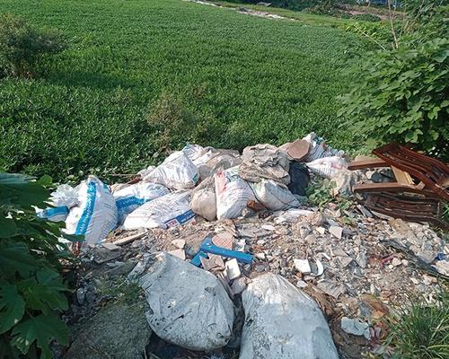 Hà Nội nạn đổ trộm rác