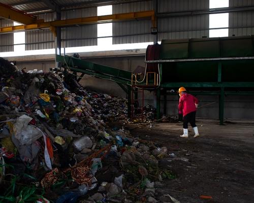 Gom rác trước khi xử lý